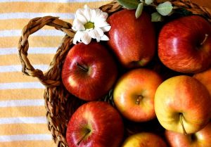 apples-3616102__480